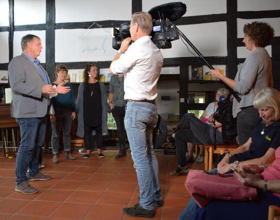 NDR bei der Uraufführung des Wendland-Wimmelfilms